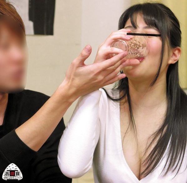 女子大生 ヤリサーパーティー 酔い発情